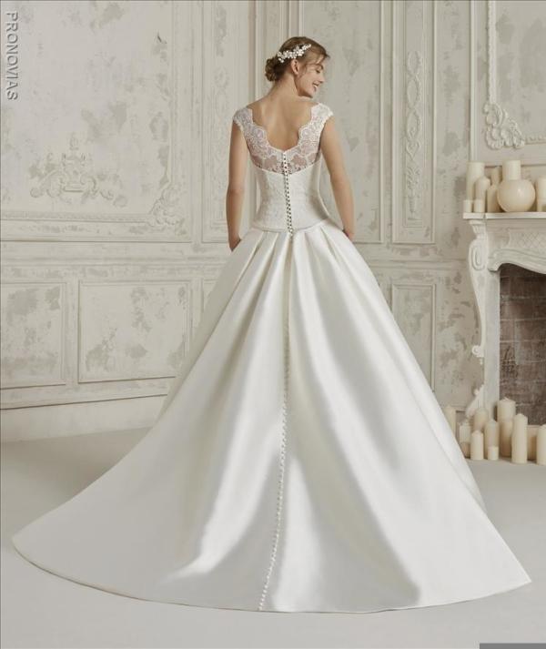 Robes mariée pronovias à Béziers, proche de montpellier, narbonne et perpignan